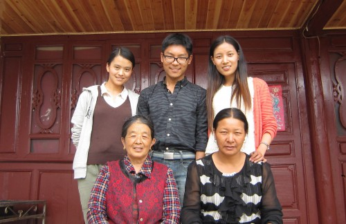 Hosts and students, at the main consultant's home. Top to bottom and left to right: Yunnan Univ. students He Wenju, Ji Xi and A Hui; the main consultant, Latami Dashilame; and her daughter-in-law Guo Geiruo
