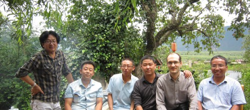 Meeting Naxi, Mosuo and Bai colleagues in Lijiang, before leaving for Yongning. Left: Latami Dashi; right: Yang Liquan